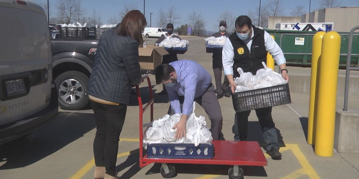 Food and Beverage Restaurant Management donates meals to SMJH employees