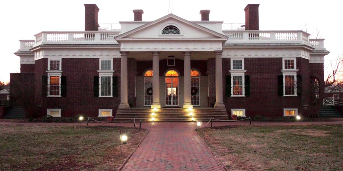 Holiday evening tour gives community rare opportunity to experience Monticello after dark