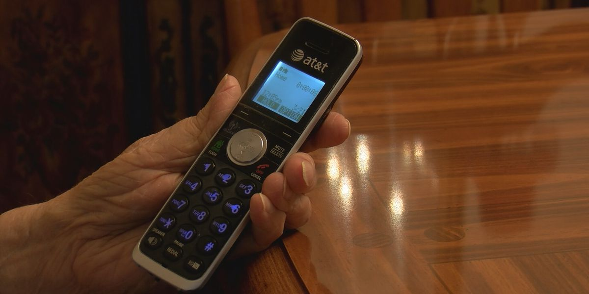 Police warn of phone scammers pretending to be with VSP