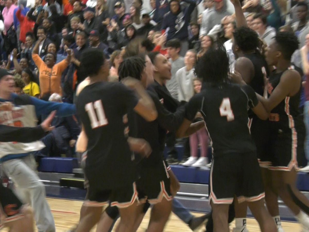 Tuesday's high school basketball playoff scores & highlights