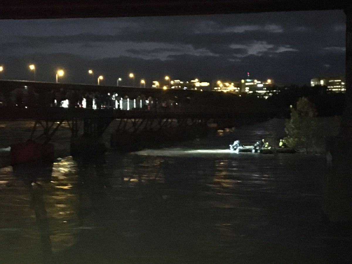Richmond rescue crews get stuck in James River due to high water