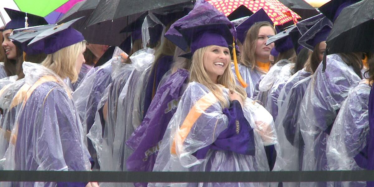 JMU announces plans to hold in-person Commencement ceremonies this May