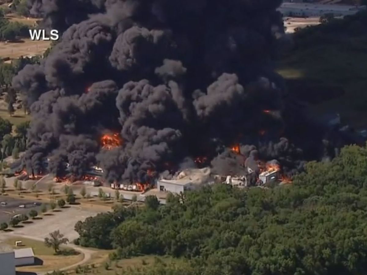 Massive chemical plant fire causes evacuations in Illinois