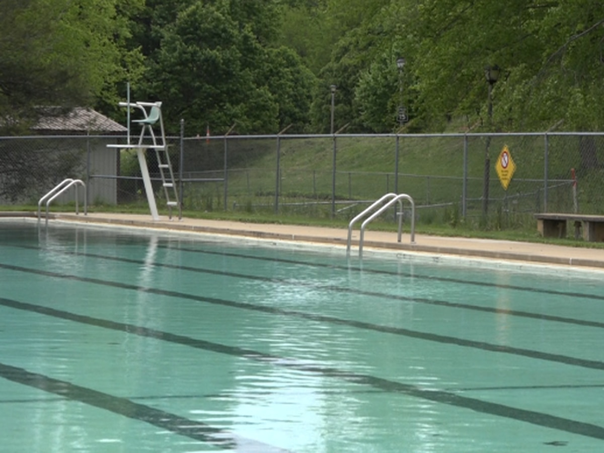 Chlorine shortage not expected to have much impact on public pools in the Valley