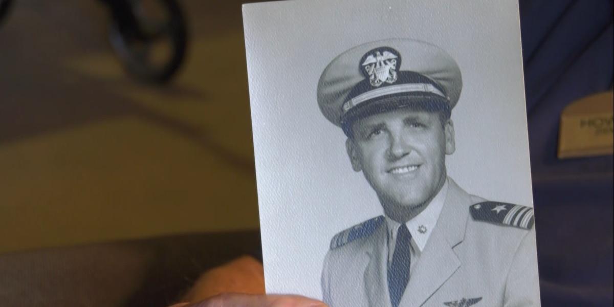 World War II veteran reflects on his career as a pilot