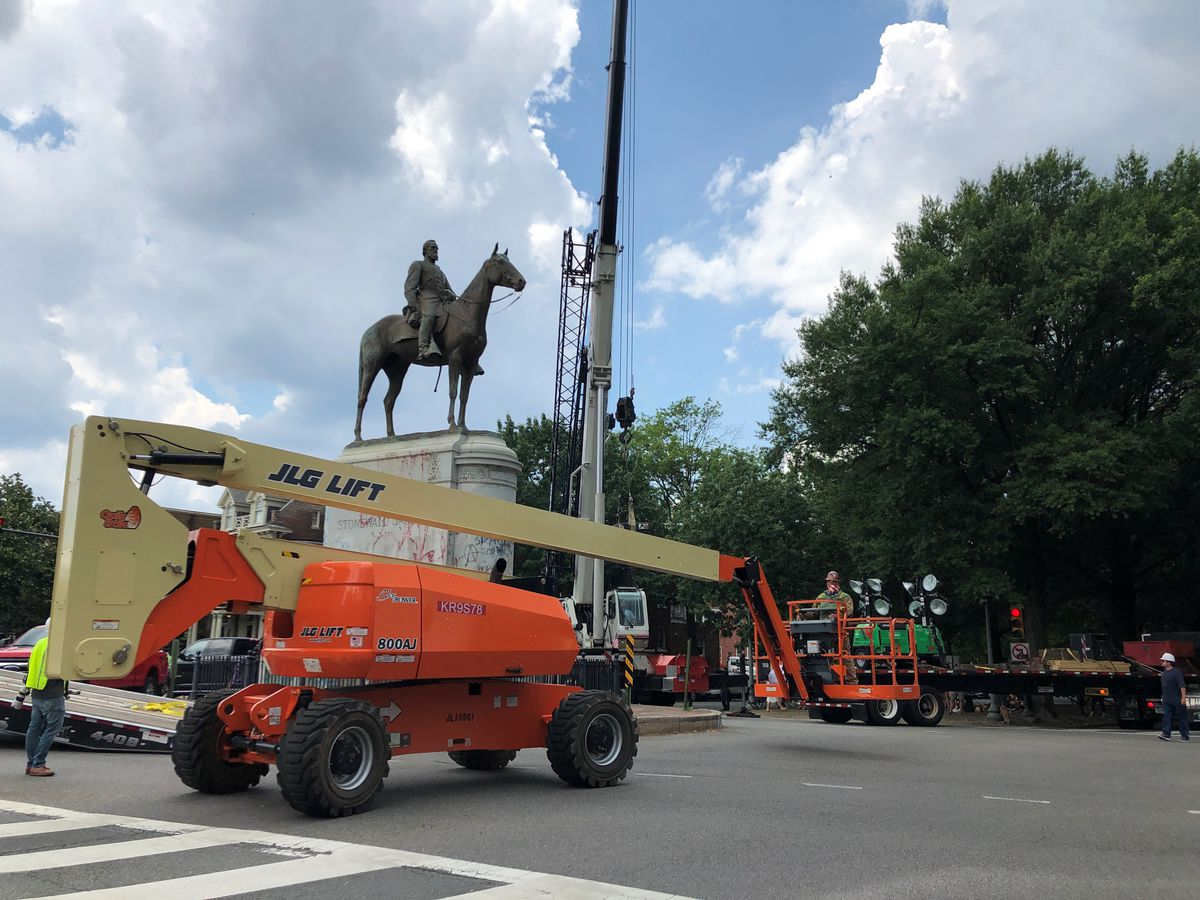 LIVE: Stonewall Jackson statue being removed following order from Mayor Stoney