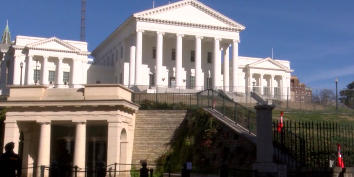 Virginia urges justices to uphold weapons ban at gun rally