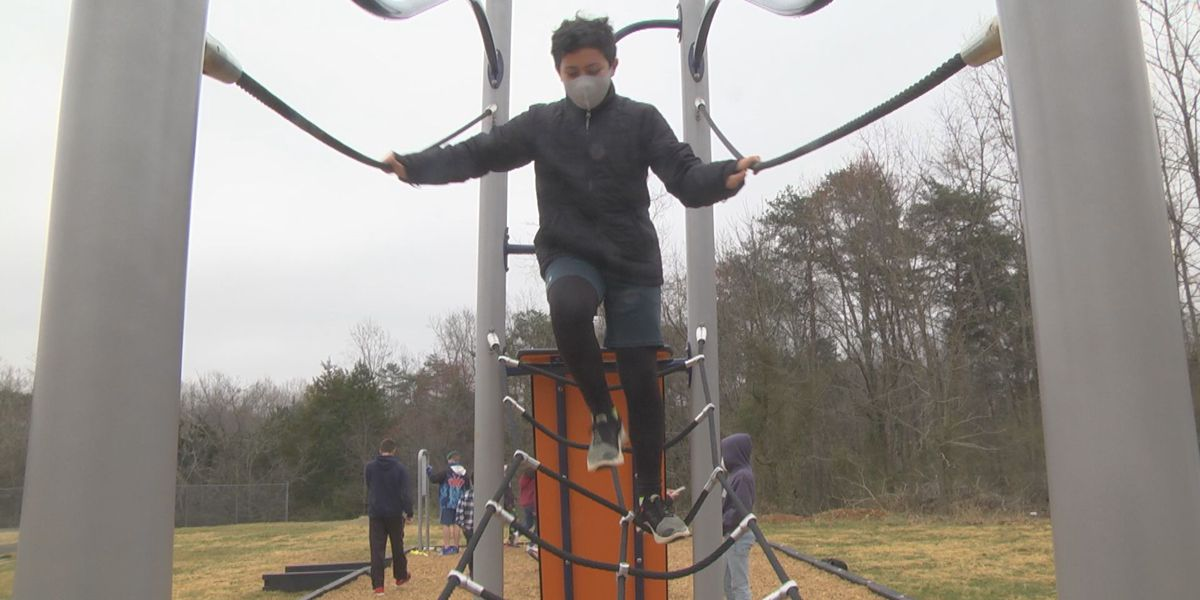 Stone-Robinson Elementary students get active with new playground set