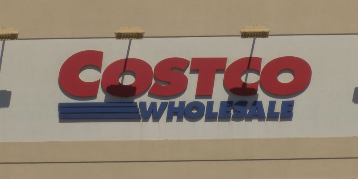 Costco customers required to wear face covering as company removes medical exemption
