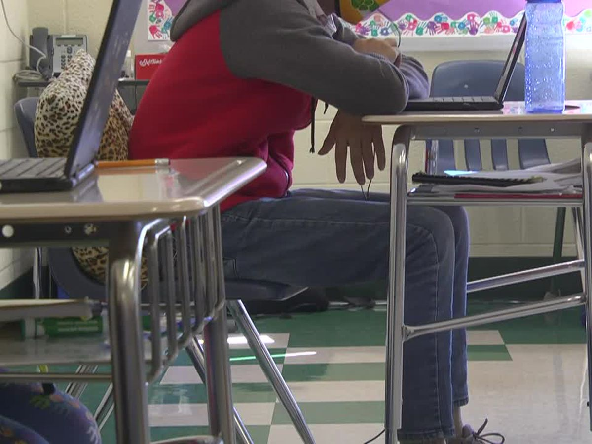 Virginia schools may soon be required to have in-person option
