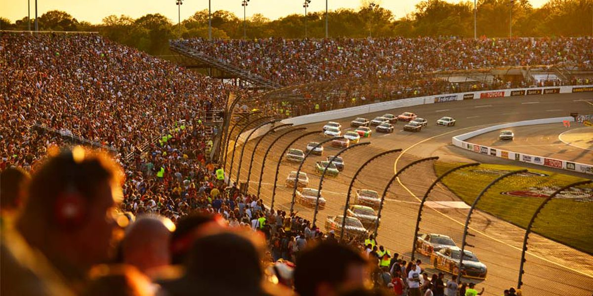 NASCAR kicks off races at Richmond Raceway