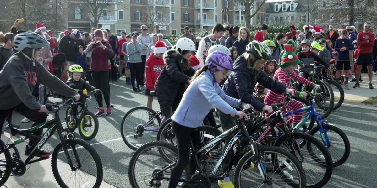 Dozens participate in Crozet Jingle Jog on Christmas morning
