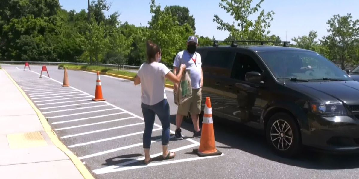 Students and families at Agnor Hurt Elementary School able to pick up supplies
