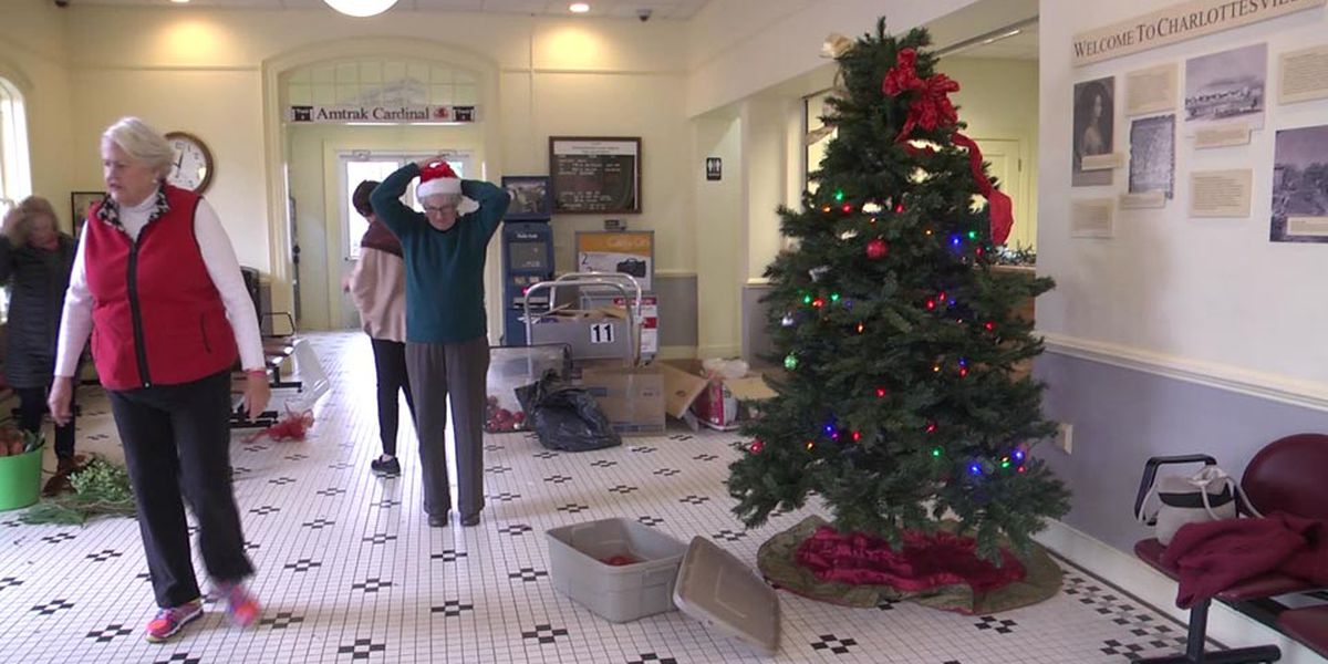 Garden clubs again decorate Charlottesville train station