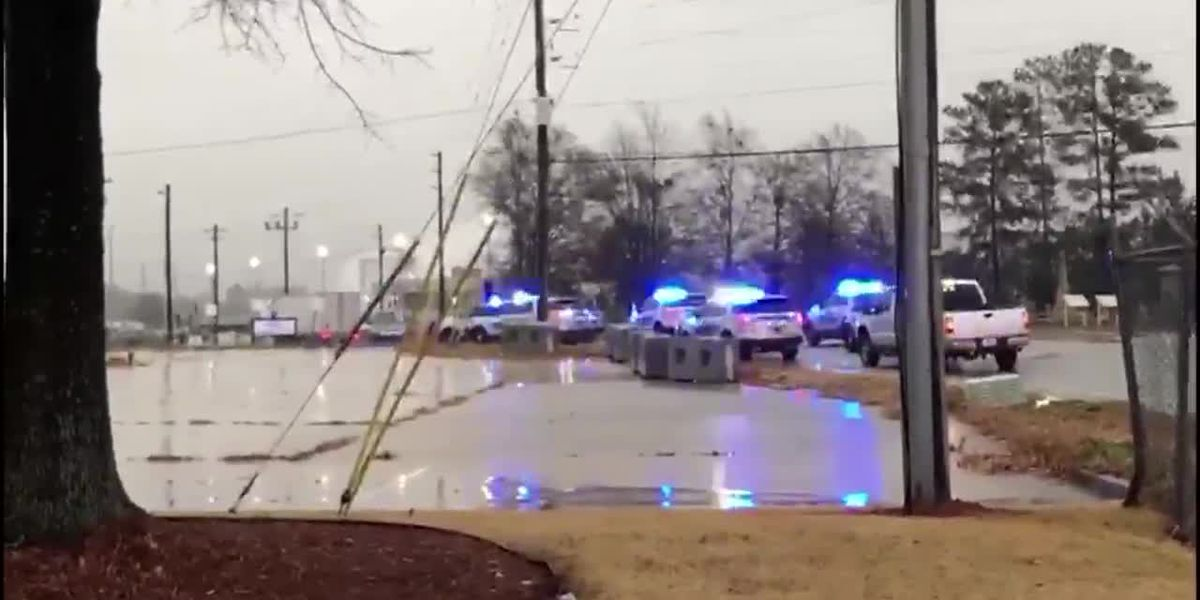 1 shot at container plant outside Atlanta; suspect sought