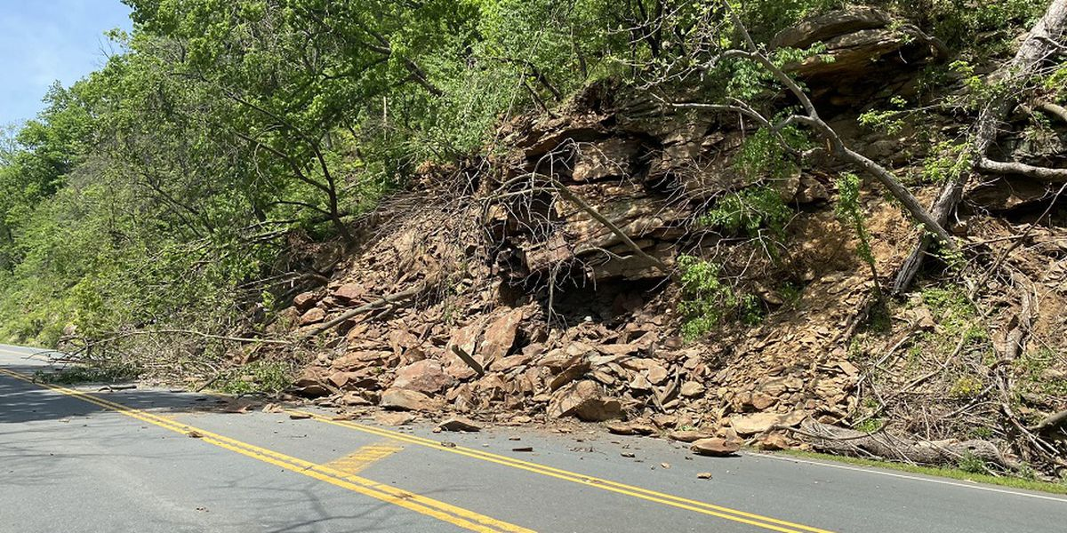 VDOT continues work on clearing Rt. 250 rockslide