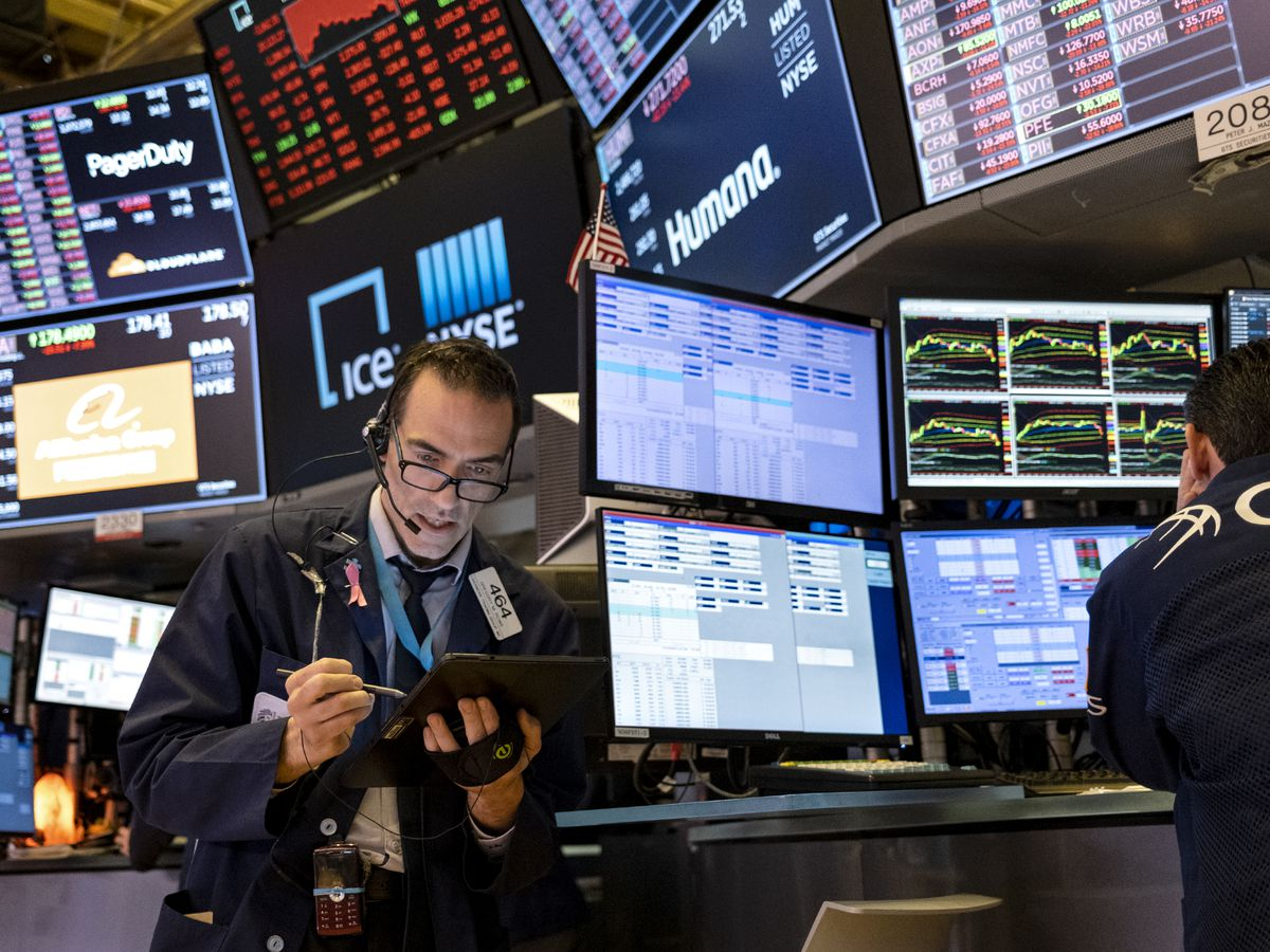 Stock rout deepens as S&P 500 drops 2.7%, Dow falls 770