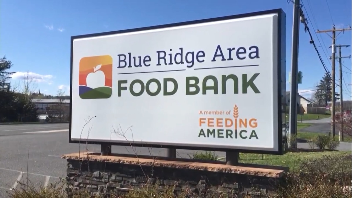Grocery store donations down at food banks as food insecurity rises