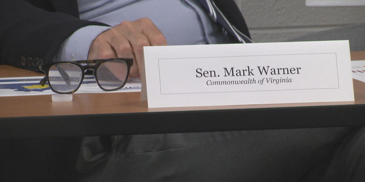 Sen. Warner takes part in rural broadband roundtable at PVCC