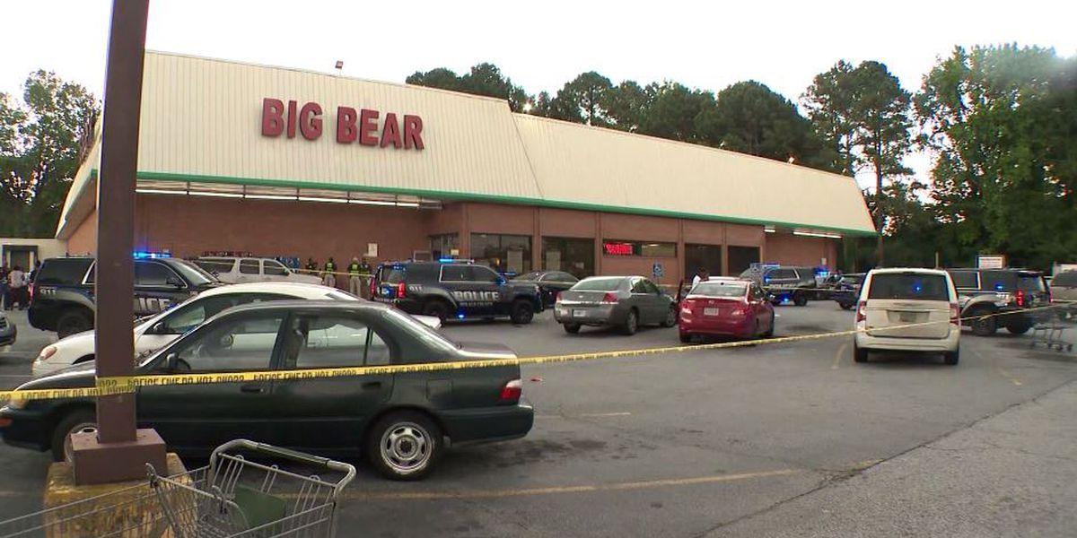 Sheriff: Cashier fatally shot after argument over face masks