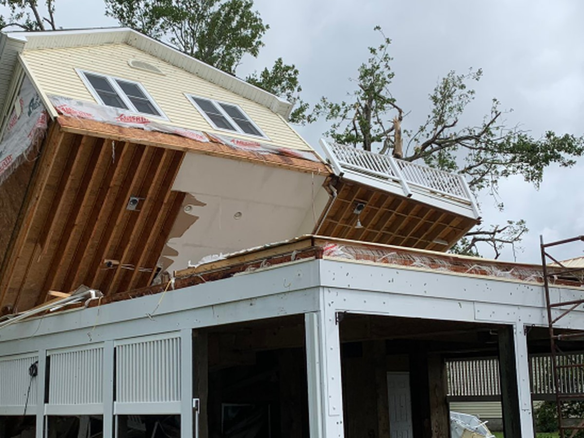 Tropical storm Isaias whips up eastern US, killing at least 4
