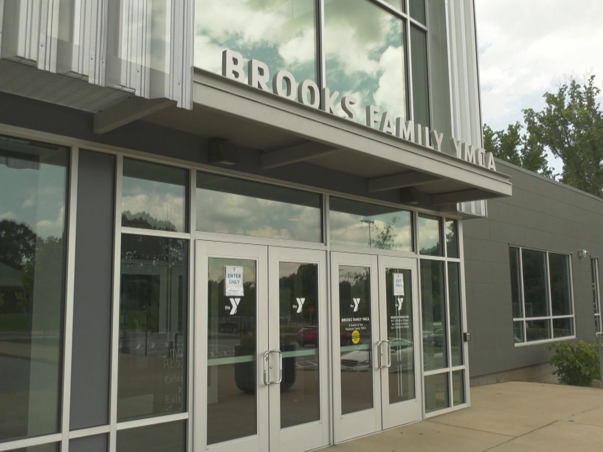 Brooks Family YMCA holds summer job fair