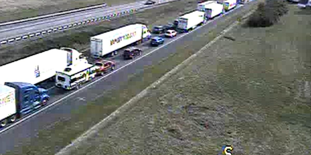 Fatal tractor-trailer crash causes 11-mile backup on I-81