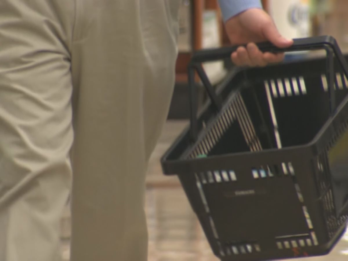 Charlottesville grocery stores stay busy despite COVID-19 concerns