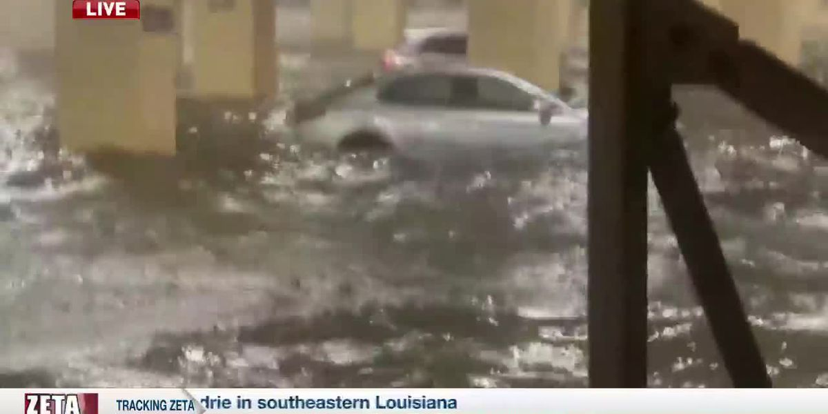 7PM LIVE REPORT: Severe flooding at Golden Nugget Casino