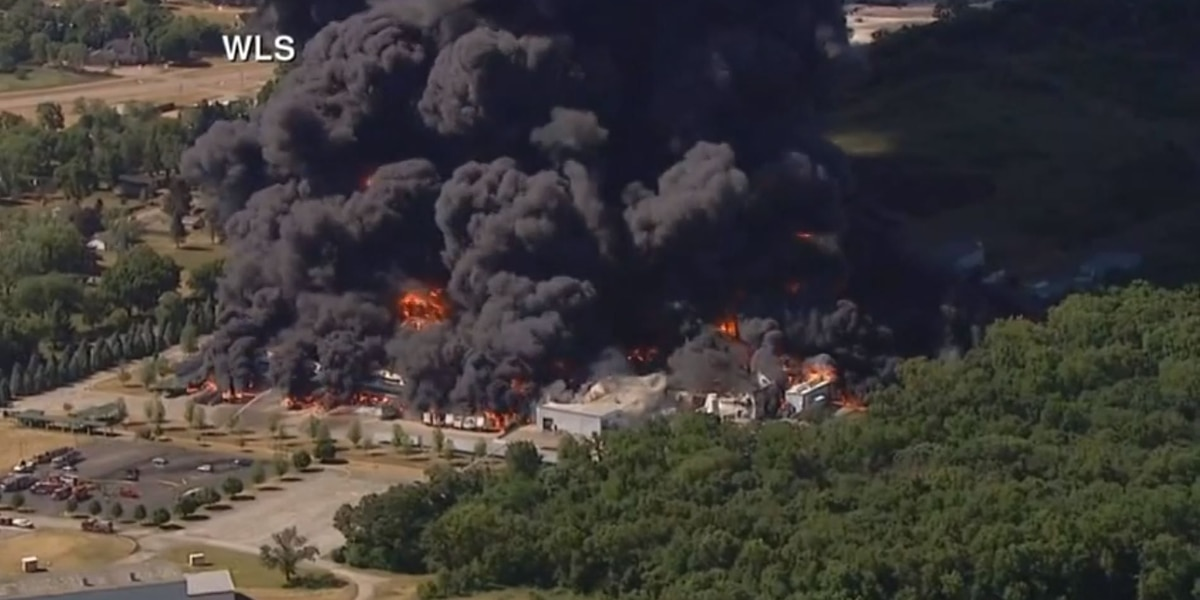 LOCAL NEWS LIVE: Chemical plant fire in Illinois