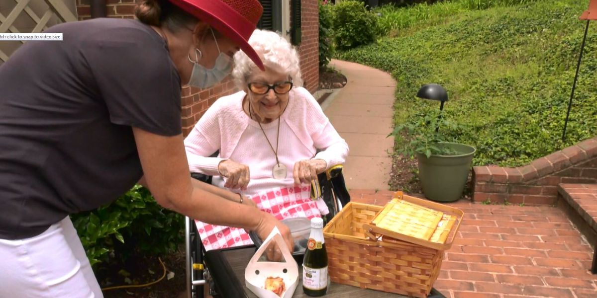 Martha Jefferson House celebrates residents, veterans with Memorial Day event