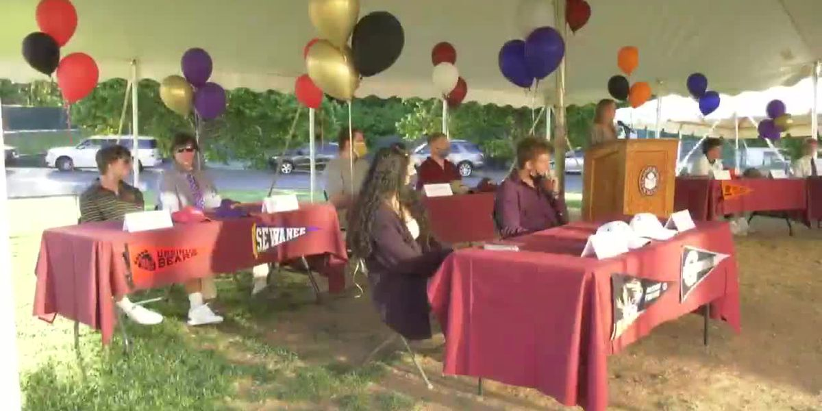 STAB honors fourteen student-athletes in signing ceremony