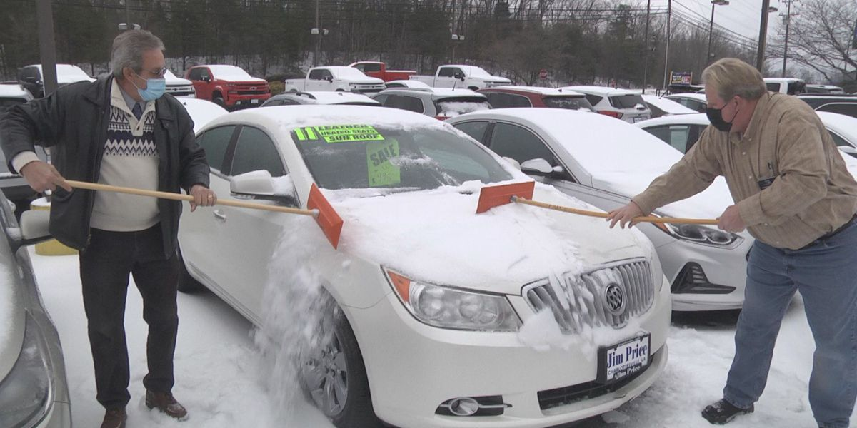 How one car dealership deals with the winter weather